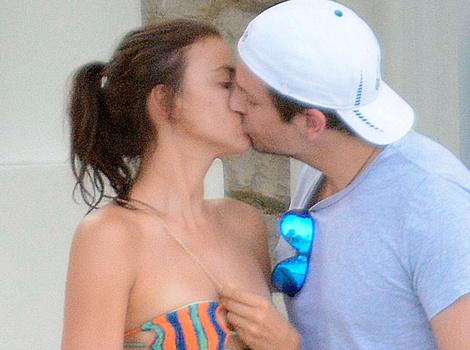 Bradley Cooper and Irina Shayk Share Sweet Kiss on Vacation in Capri