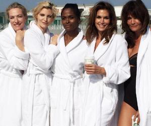 '90s Supermodel Reunion! Cindy Crawford Stuns Alongside Eva Herzigova, Nadja…