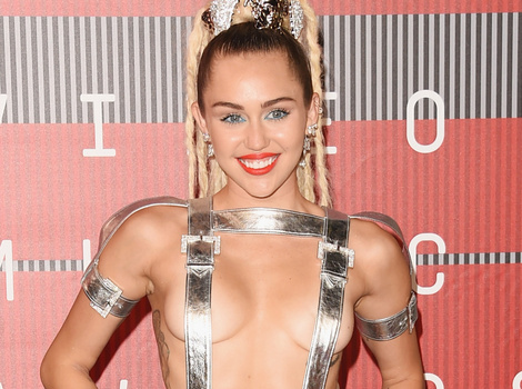 See All of the Ridiculously Revealing Outfits Miley Cyrus Wore at the VMAs