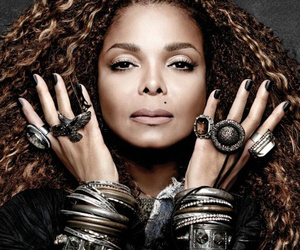 "Janet Jackson Releases ""Unbreakable"" Album Cover"