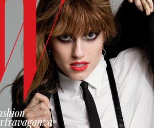 """Girls"" Star Allison William Talks Sex Scenes: ""I'm An Old Pro Now"""
