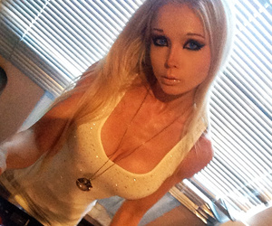 Human Barbie Is Back -- with Very Surprising New Gig and Look!