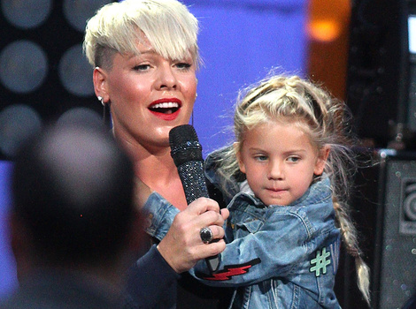 "P!nk Brings Daughter Willow On Stage For ""Ellen"" Premiere"