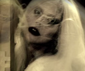 """New """"American Horror Story: Hotel"""" Trailer Features Full Creepy Cast"""