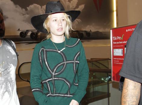 "Renee Zellweger Resurfaces In London Ahead of ""Bridget Jones' Diary 3"" Filming"