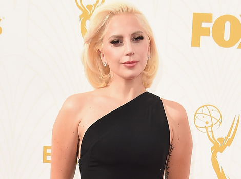Lady Gaga Looks Beautiful In Black at the 2015 Emmy Awards