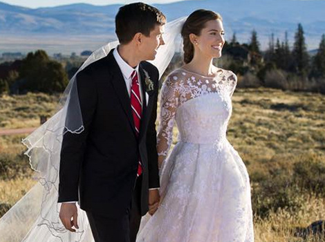"""Girls"" Star Allison Williams Is Married -- See Her Stunning Wedding Dress!"