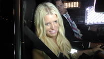 Jessica Simpson -- Dazed in Paparazzi Storm (VIDEO)