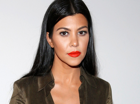 VIDEO: Kourtney Kardashian Breaks Down in Tears Over Scott Disick Cheating Photos