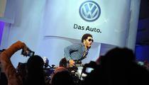 Lenny Kravitz -- Headlines VW Gala ... In Midst of Criminal Probe