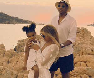 Living The Good Life! Beyonce Shares New Vacation Photos & Video with Blue…