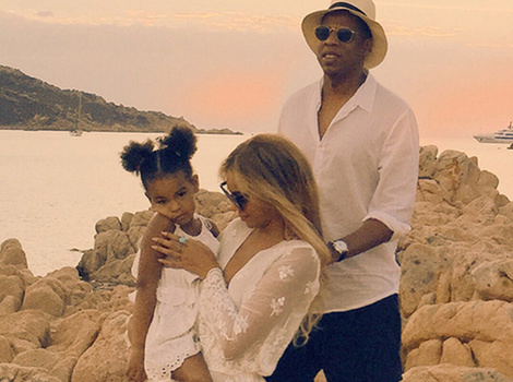 Living The Good Life! Beyonce Shares New Vacation Photos & Video with Blue Ivy