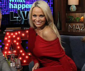 Pamela Anderson Spills Dirty Details About Her Sex Tape, Gets Grilled On Scott…