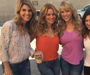 """""""Fuller House"""" Women Go Glam on Set -- Wow, They All Look Amazing!"""