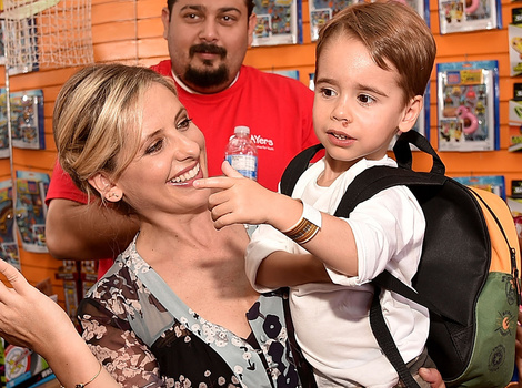 Sarah Michelle Gellar Makes Rare Public Appearance With Son Rocky