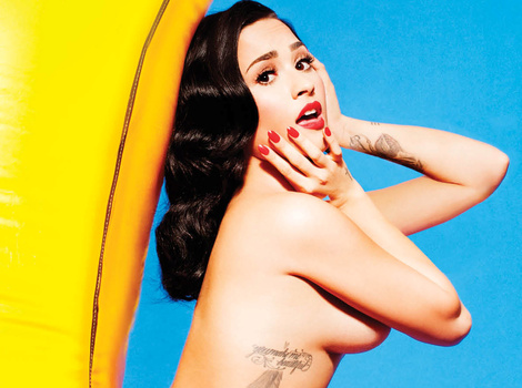 Demi Lovato Goes Topless In Complex, Gets Candid on Ruby Rose Hookup Rumors!