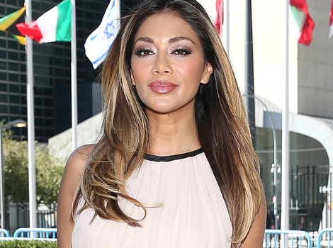 "Nicole Scherzinger Talks Lewis Hamilton Split, Says She's Close With ""Most"" of the…"