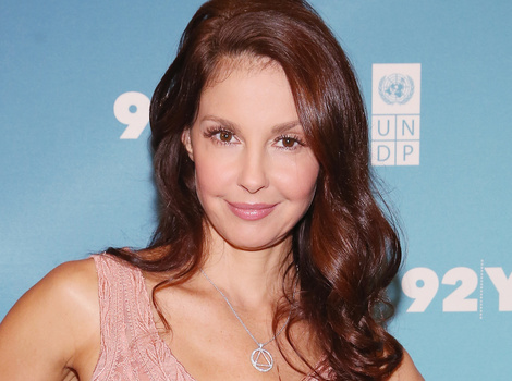 "Ashley Judd Details ""Disgusting"" Sexual Harassment She Suffered From Studio…"