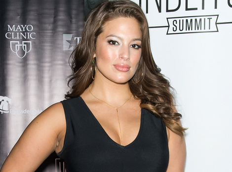 """Ashley Graham Shows Killer Curves In Crop Top, Says She's """"Disrupting the Industry"""""""