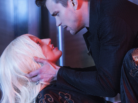 "Matt Bomer Opens Up About Those NSFW ""AHS"" Sex Scenes with Lady Gaga"