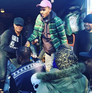 Rappers Passing Out Turkeys