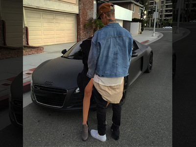 Justin Bieber -- That Chick in the Pic is NOT Kourtney