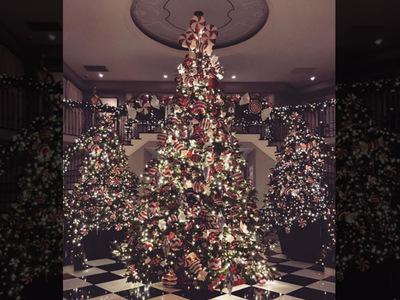 Kim Kardashian -- Xmas Threw Up on My Mom's House! (PHOTO)