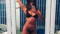 Selena Gomez -- Mirror, Mirror On The Wall ... (PHOTO)