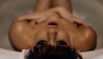10 Sexy Gifs From Selena's 'Hands to Myself' Music Video