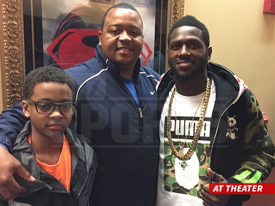NFL's Antonio Brown -- Screens 'Concussion' For HS Football Team