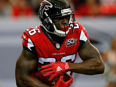 ATL Falcons RB -- Injured In the Shower ... Possible Concussion