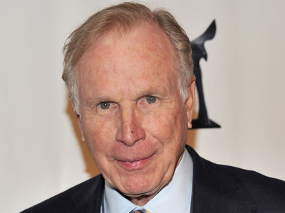 Wayne Rogers -- M*A*S*H Star Dead at 82