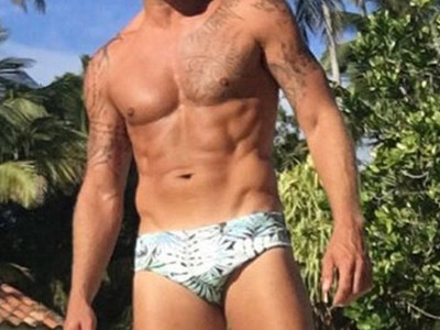 Guess Whose Shredded Stomach -- See the Speedo-Clad Star
