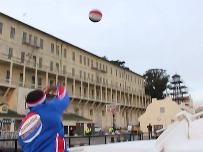 Harlem Globetrotters -- Droppin' Bombs On Alcatraz ... (Great Video)