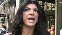 Teresa Giudice -- Sweet Talks Cop To Avoid Probation Violation