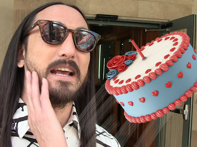 Steve Aoki -- Fan Sues for Eating It On Piece of Cake