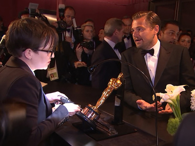 Leonardo DiCaprio -- So This Is How You Engrave an Oscar (VIDEO)