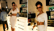 Nicole Murphy -- Upstaging 101 (PHOTO)