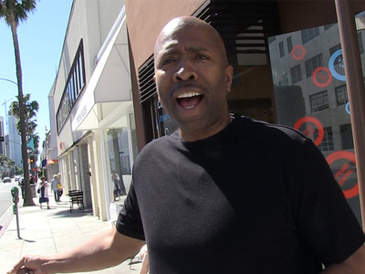 LeBron James -- Unfollowing Cavs Is 'Disrespectful' ... Says Kenny Smith (VIDEO)