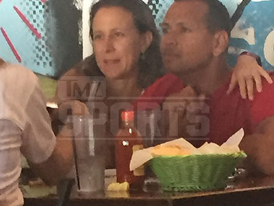 Alex Rodriguez -- 1st Pics with Billionaire Girlfriend ... Google Her