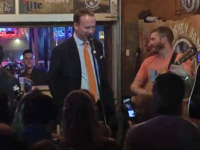 Peyton Manning -- I'm Not Retired from Karaoke ... Busts Out 'Rocky Top' (VIDEO)