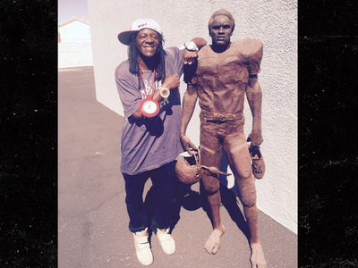 Flavor Flav -- Do I Own the Real O.J. Statue? Yeaaaaahhh BOYYYYYYY!!!