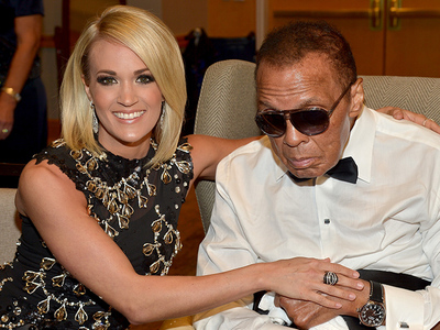 Muhammad Ali -- Chillin' with Carrie Underwood ... At Celebrity Fight Night (PHOTOS)