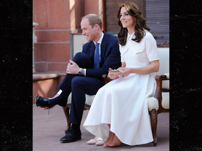 Kate Middleton -- Toe Up! Duchess Goes NO Pedicure (PHOTO)