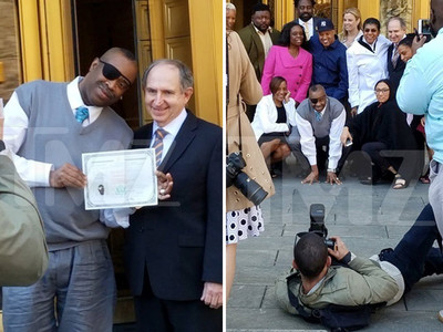 Rap Legend Slick Rick -- La Di Da Di, It's Time to Party ... I'm a U.S. Citizen! (PHOTOS)