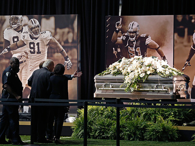 New Orleans Saints' Will Smith -- Emotional Public Viewing (PHOTOS)