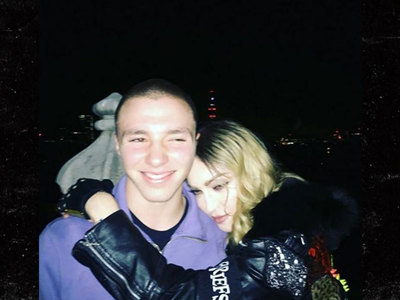 Madonna -- Up In Arms With Rocco (PHOTO)