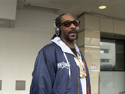 Snoop Dogg -- Sam Hunt Can Come to the Hood for a REAL 'House Party' (VIDEO)