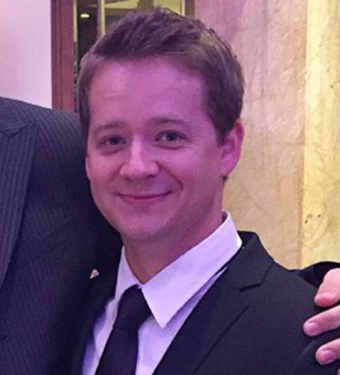 Jason Earles was seen on social media having the best of both worlds.
