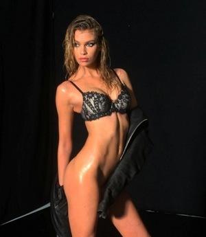 Stella Maxwell's Sexy Snapshots